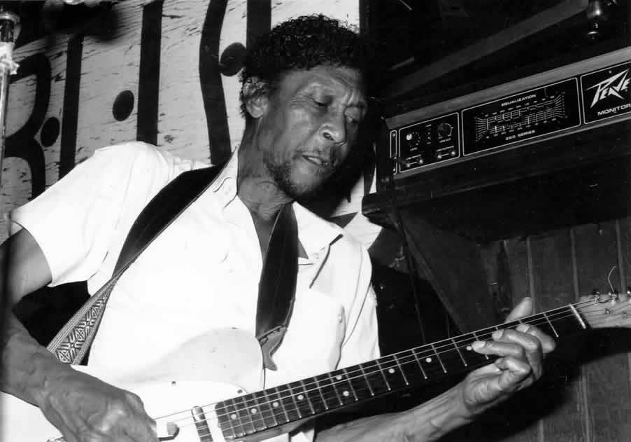 Brewer Phillips at BLUES on Halsted in 1990 - By Andre Hobus 1